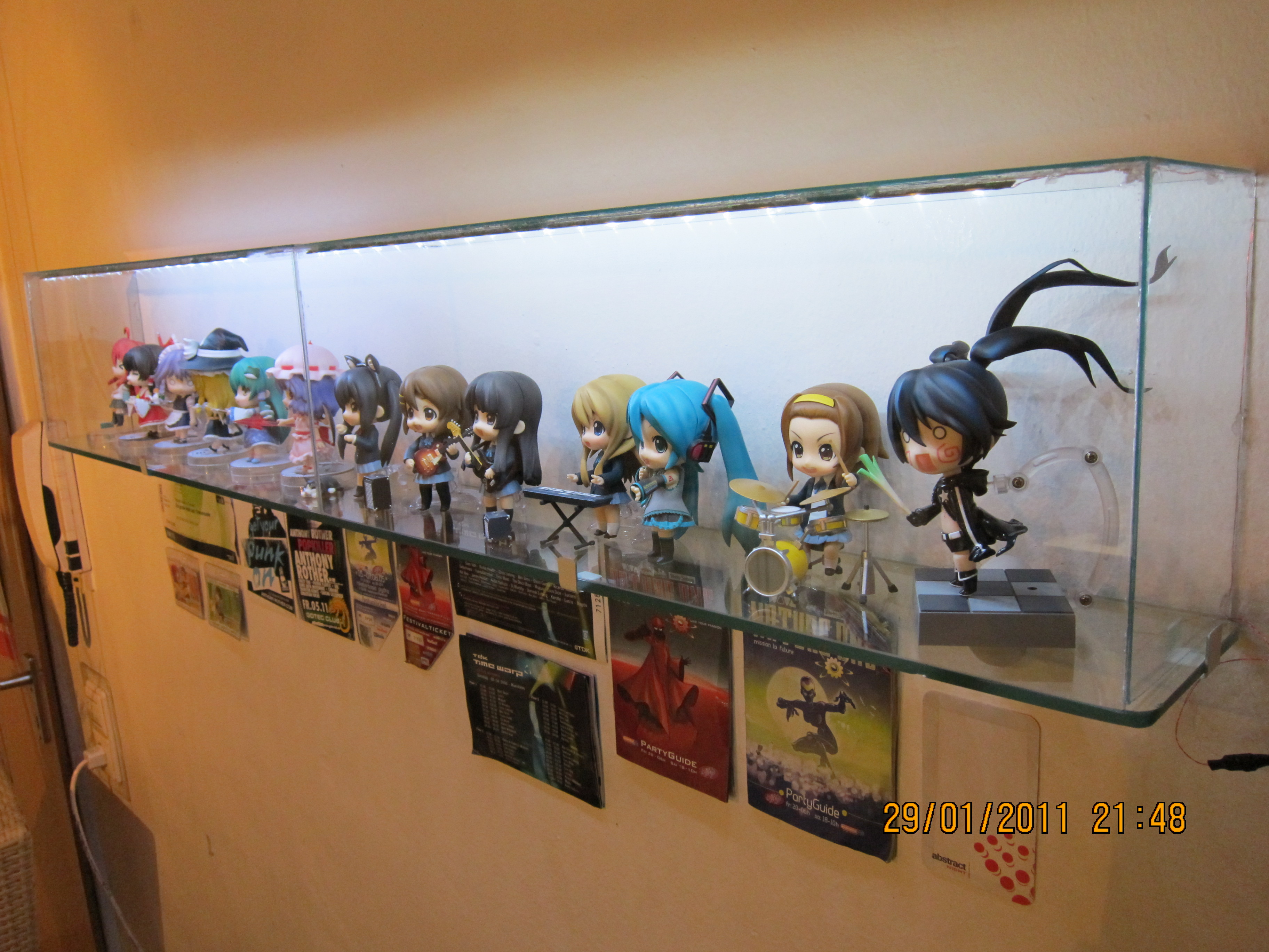 Nicely lit DIY Figure-Display-Cabinets